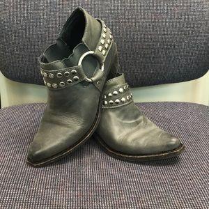 Very Rare Jeffrey Campbell cowboy boots!